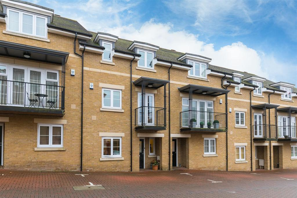 4 Bedrooms Town House for sale in Mary Price Close, Headington, Oxford