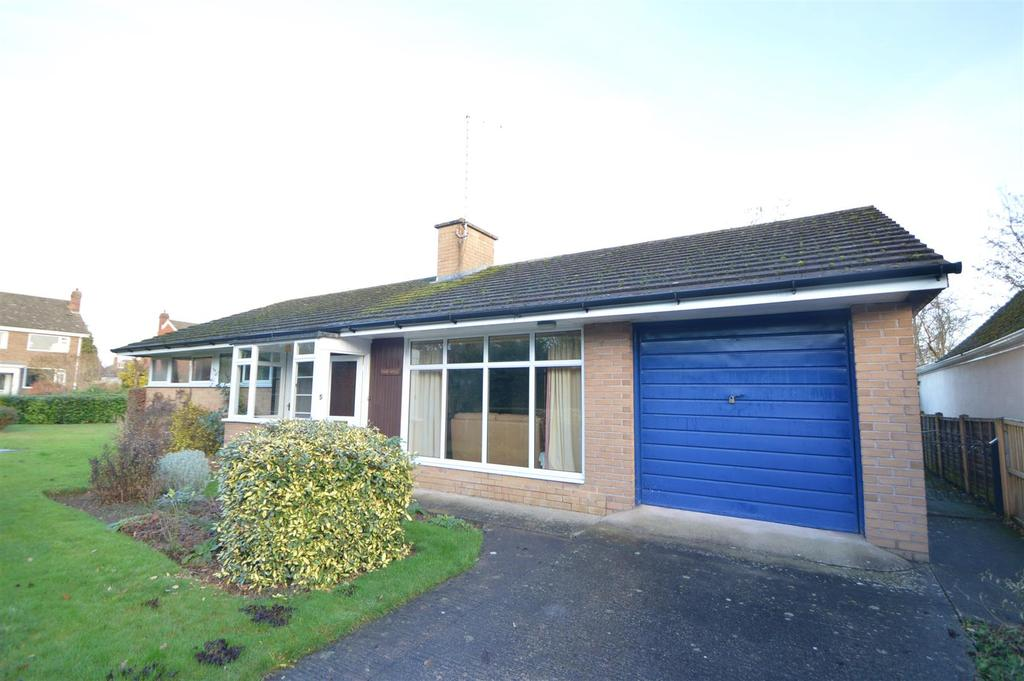 3 Bedrooms Detached Bungalow for sale in 5 Kingswood Crescent, Copthorne, Shrewsbury SY3 8UU
