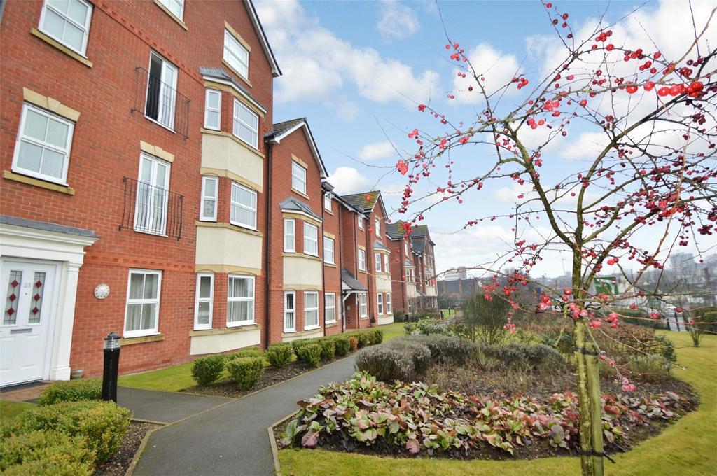 2 Bedrooms Flat for sale in Trefoil Gardens, Amblecote, STOURBRIDGE, West Midlands
