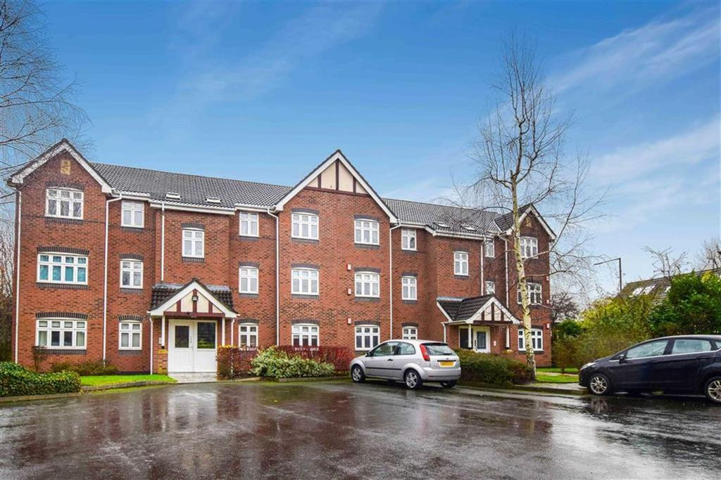 2 Bedrooms Apartment Flat for sale in Thorpe Close, Timperley, Cheshire, WA15