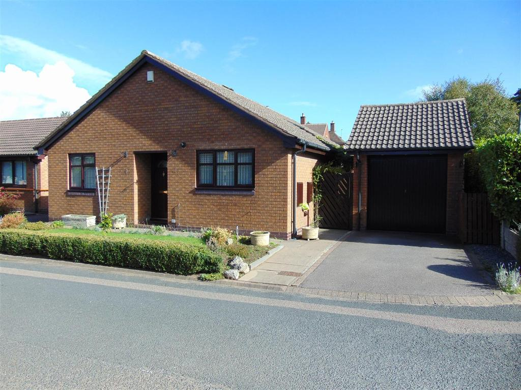 3 Bedrooms Detached Bungalow for sale in Stonnall Gate, Aldridge, Walsall