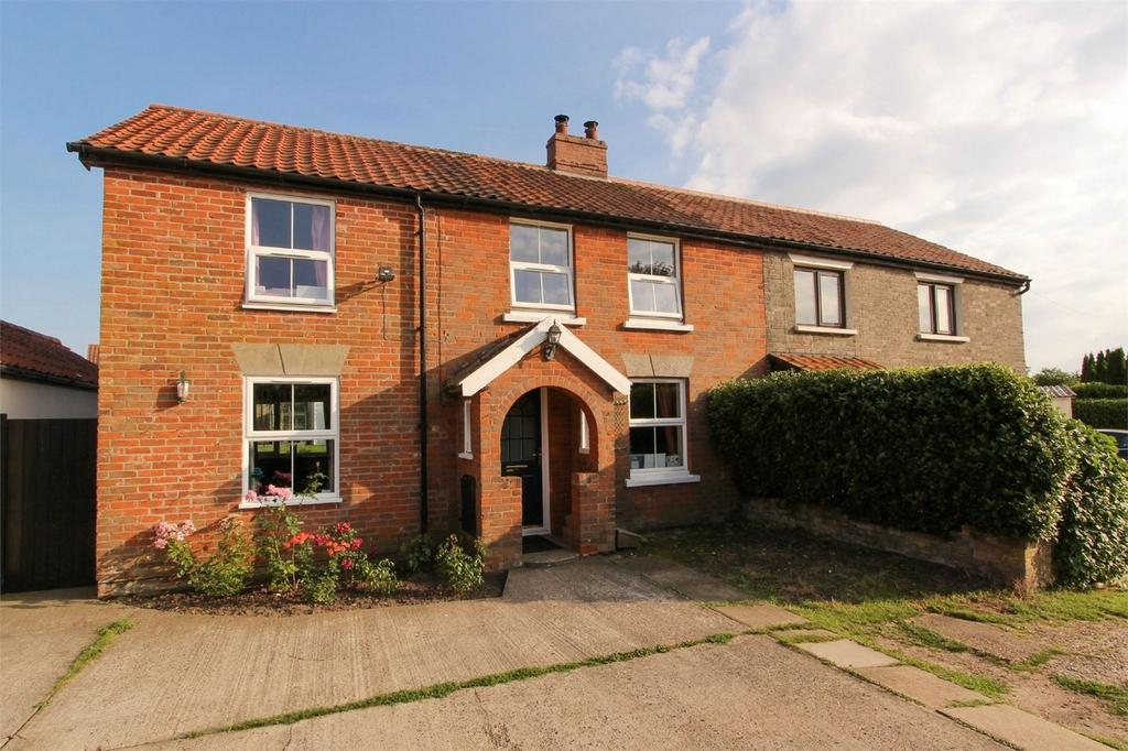 4 Bedrooms Semi Detached House for sale in Norwich Road, Attleborough, Norfolk
