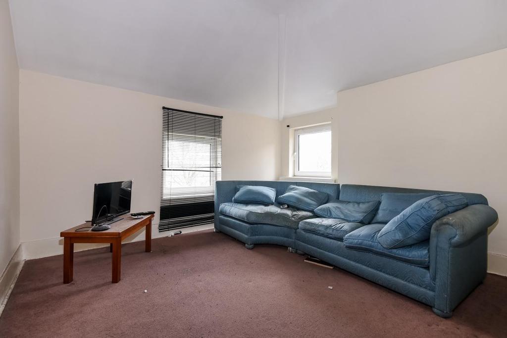 1 Bedroom Flat for sale in Avenue Park Road, West Norwood, SE27
