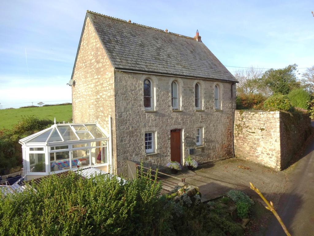 3 Bedrooms Detached House for sale in Tremodrett, Roche