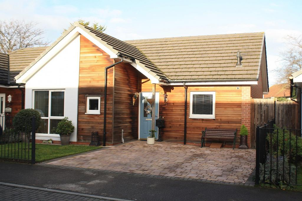 2 Bedrooms Bungalow for sale in Langdale Road, Billingham, TS23