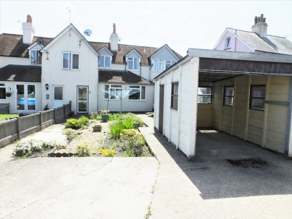 3 Bedrooms Terraced House for sale in Old Saltwood Lane, Saltwood, CT21
