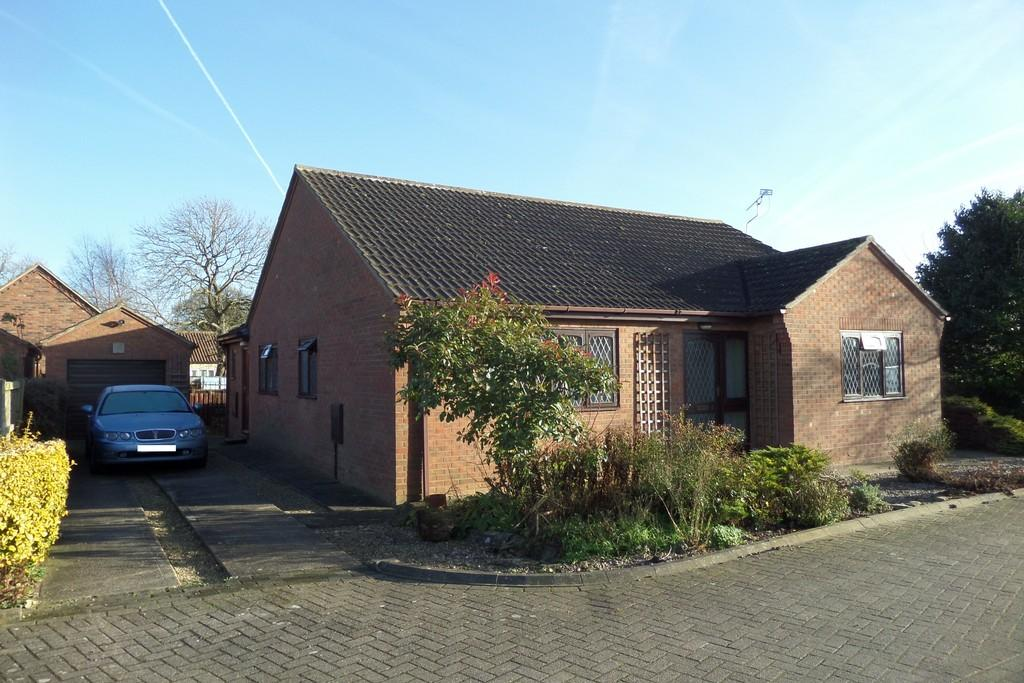 2 Bedrooms Detached Bungalow for sale in Rushtons Way, Hibaldstow