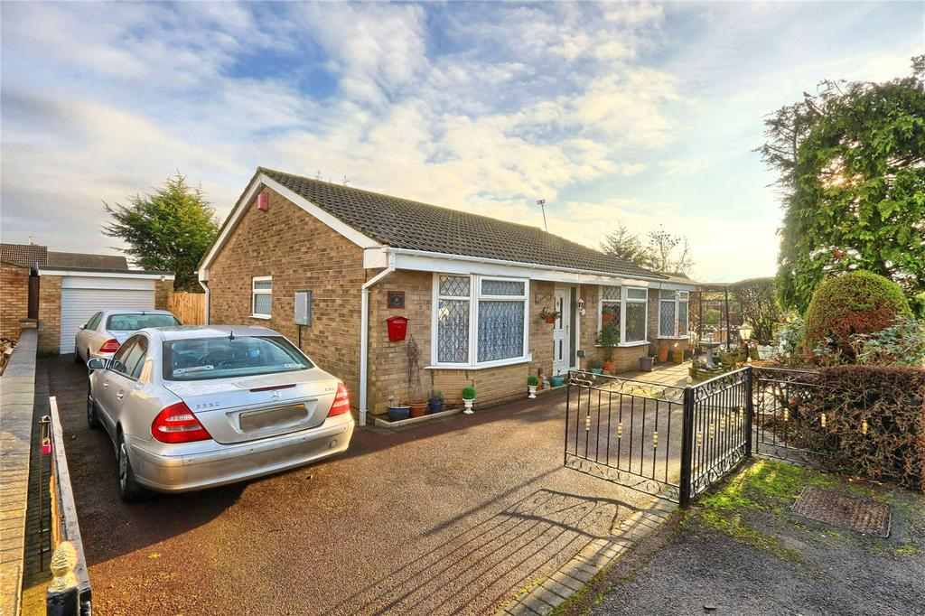 4 Bedrooms Detached Bungalow for sale in Merring Close, Hartburn