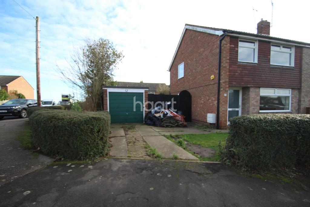 3 Bedrooms Semi Detached House for sale in Hall Road, Fordham, CO6