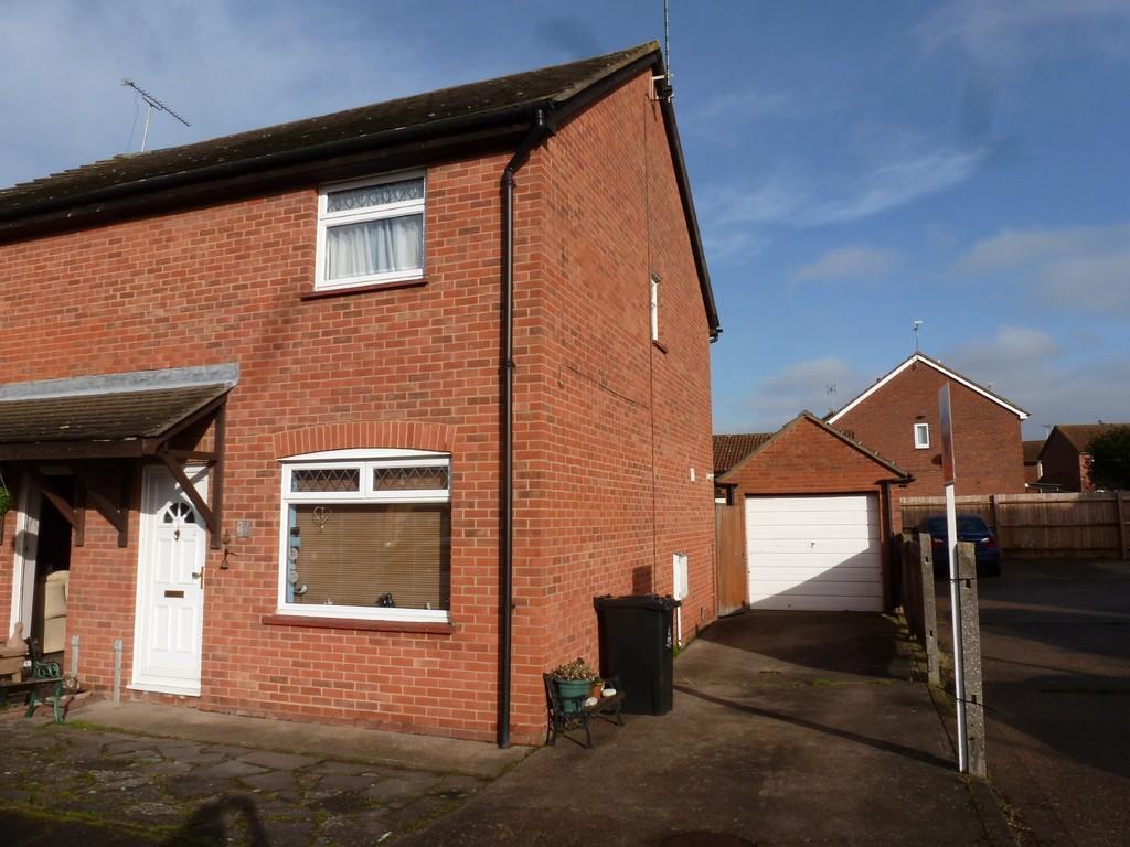 3 Bedrooms Semi Detached House for sale in Redshank Drive , Heybridge