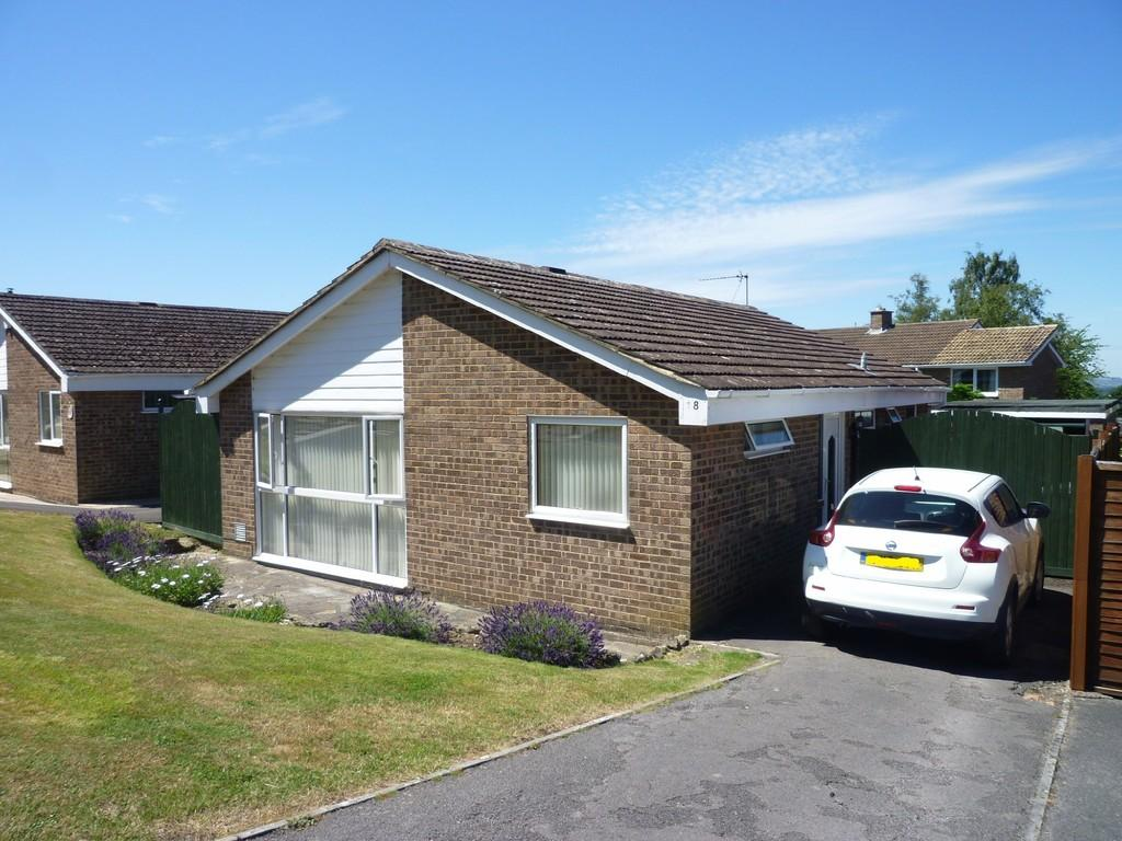 2 Bedrooms Detached Bungalow for sale in Leighton Park Road, Westbury