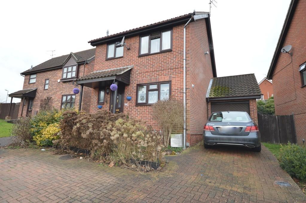 3 Bedrooms Detached House for sale in Egret Crescent, Longridge Park