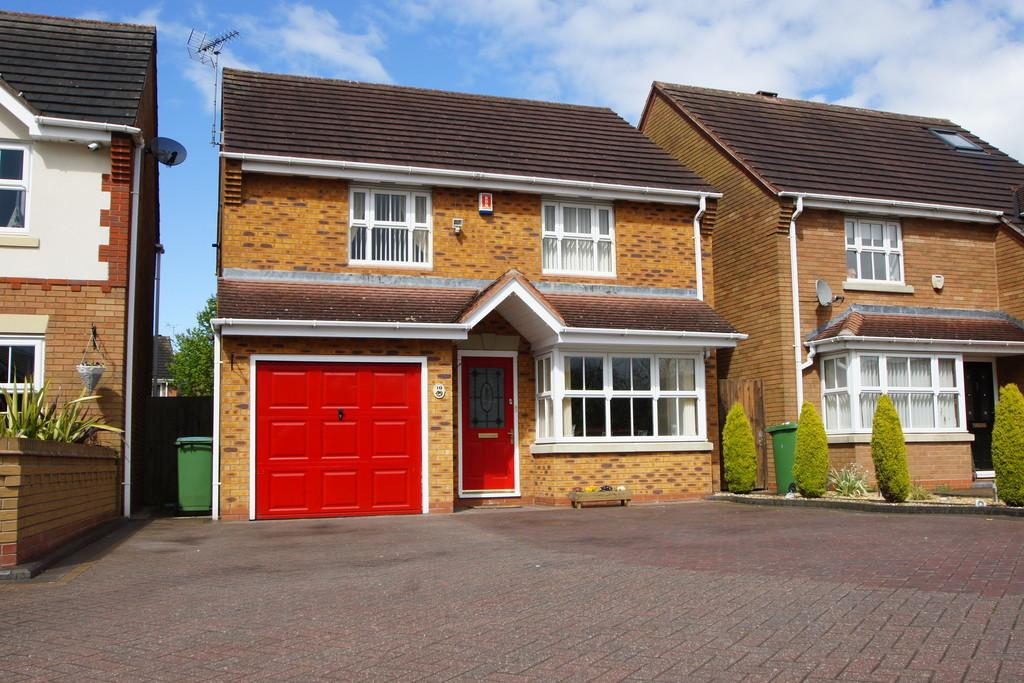 3 Bedrooms Detached House for sale in Keys Park Road, Cannock