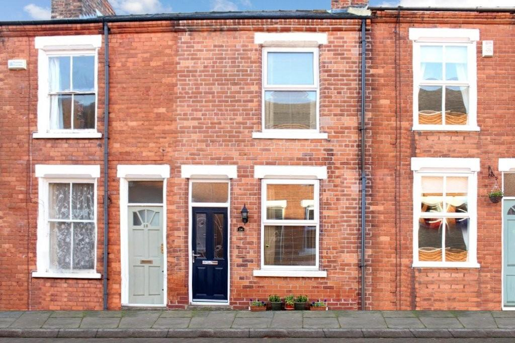 2 Bedrooms Terraced House for sale in 14 Smales Street Bishophill York YO1 6EW