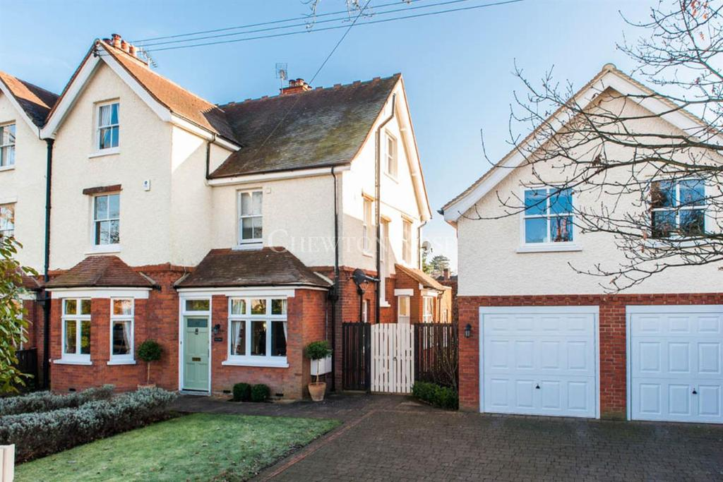 5 Bedrooms Semi Detached House for sale in Kennel Ride, Ascot