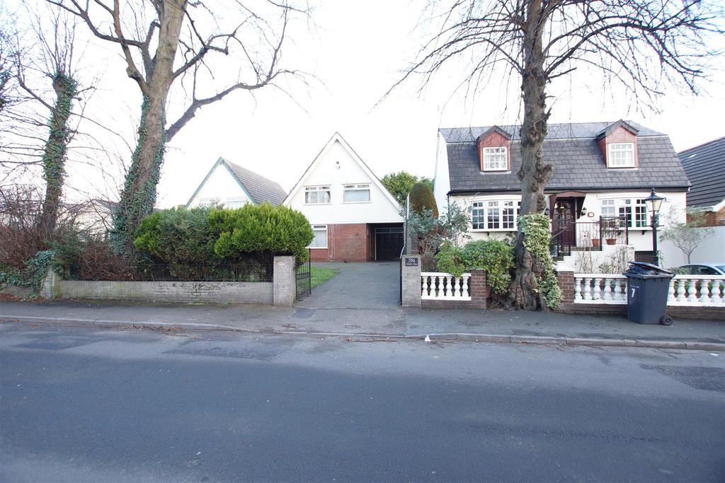 4 Bedrooms Detached House for sale in Litherland Park, Liverpool L21 9HR