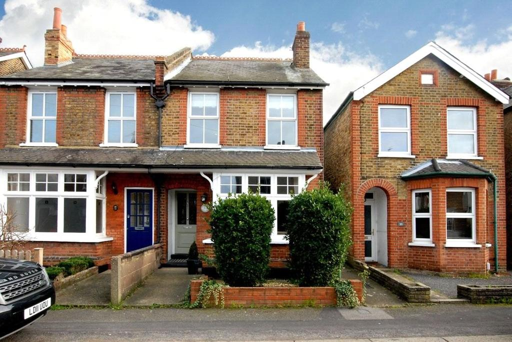 3 Bedrooms Semi Detached House for sale in Weston Road, Thames Ditton, Surrey, KT7