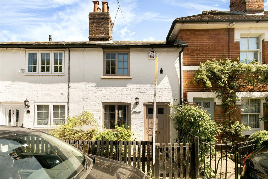 2 Bedrooms Terraced House for sale in Chipstead Lane, Sevenoaks, Kent, TN13