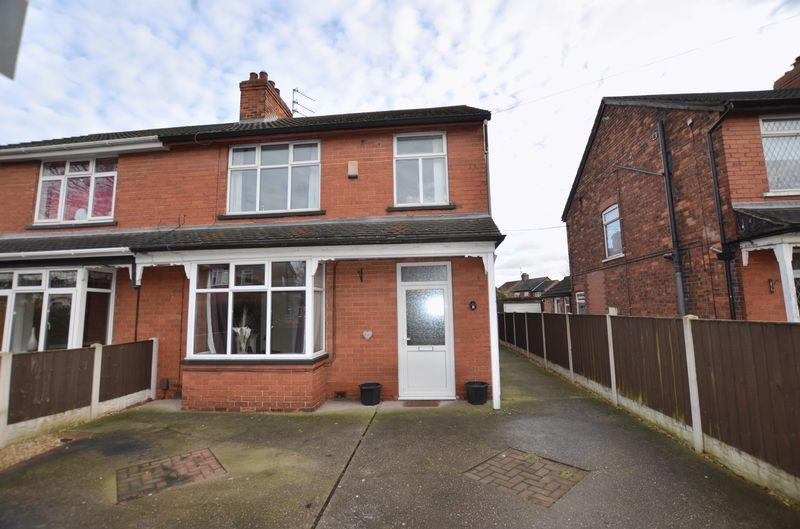 3 Bedrooms Semi Detached House for sale in Glanville Avenue, Scunthorpe