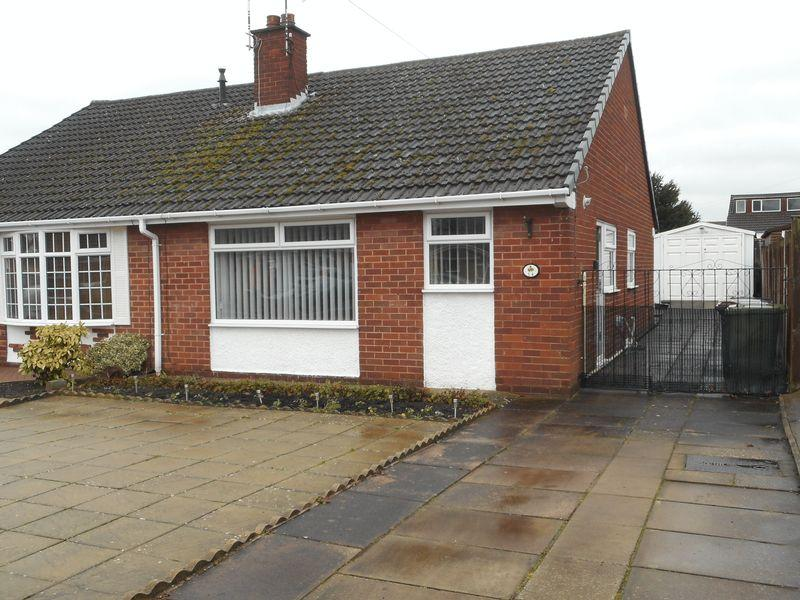 2 Bedrooms Semi Detached Bungalow for sale in Scott Avenue, Nuneaton