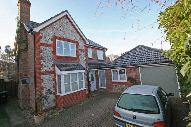 4 Bedrooms Detached House for sale in Hammonds Ridge, Burgess Hill