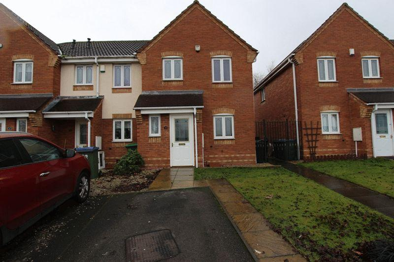 3 Bedrooms Terraced House for sale in Ferguson Drive, Tipton