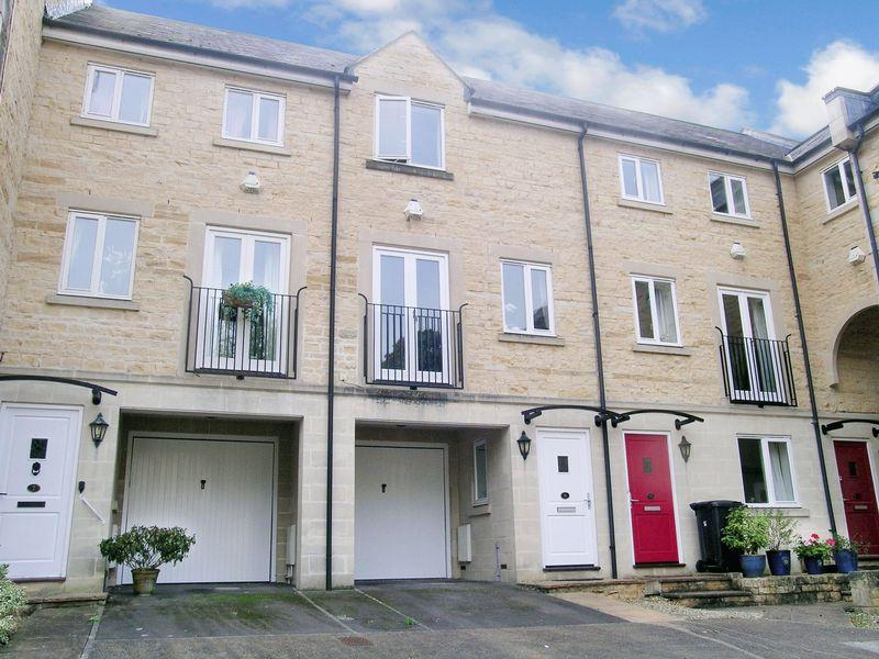 3 Bedrooms Town House for sale in Bradford on Avon