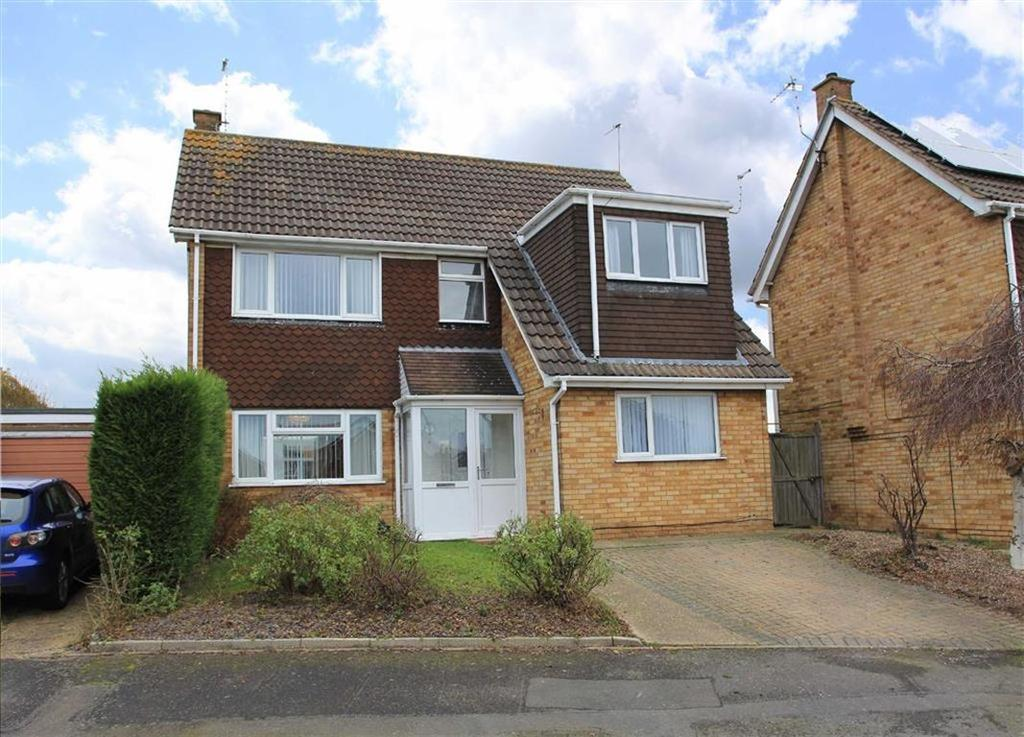 3 Bedrooms Detached House for sale in Trescoe Rise, Western Park, Leicester