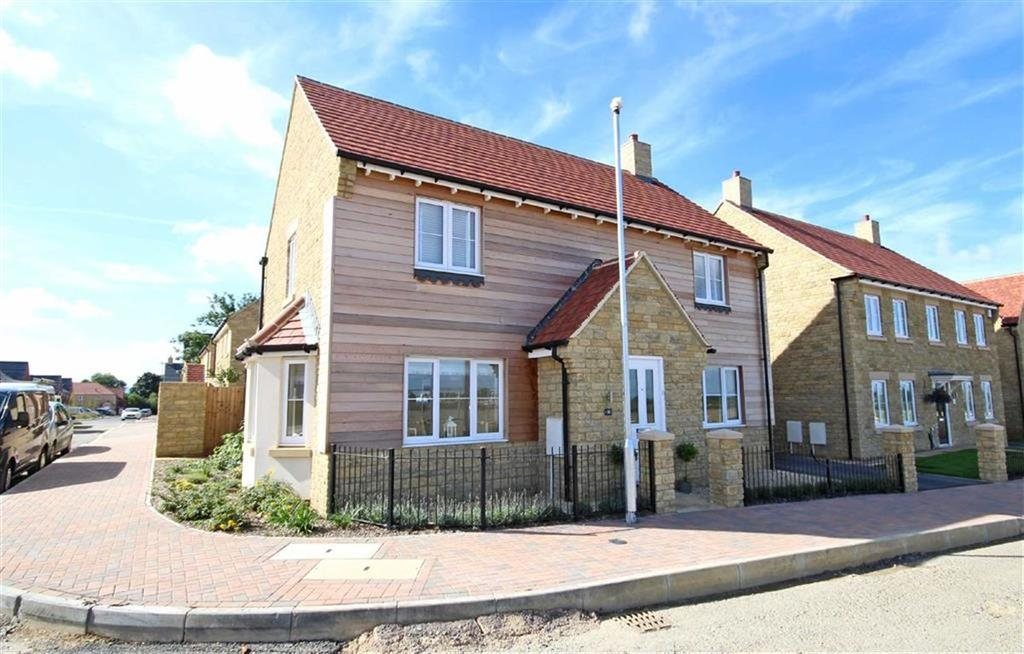4 Bedrooms Detached House for sale in Little Grebe Road, Bishops Cleeve, Cheltenham, GL52