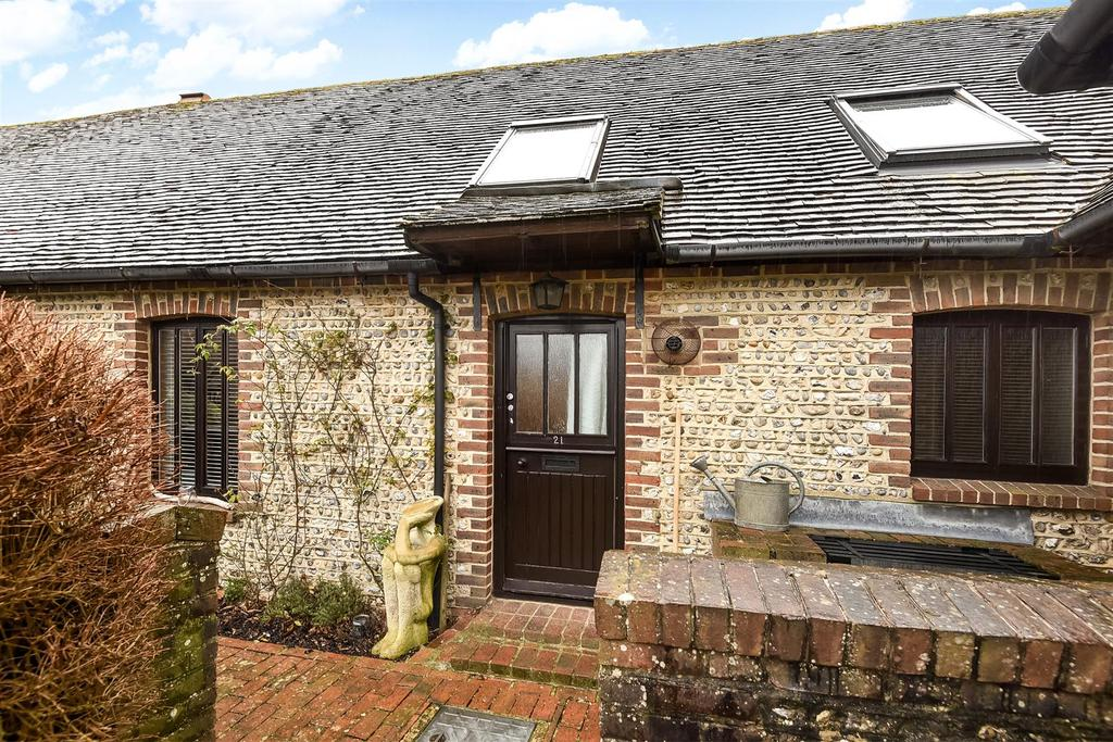2 Bedrooms Terraced House for sale in Saxon Meadow, Tangmere