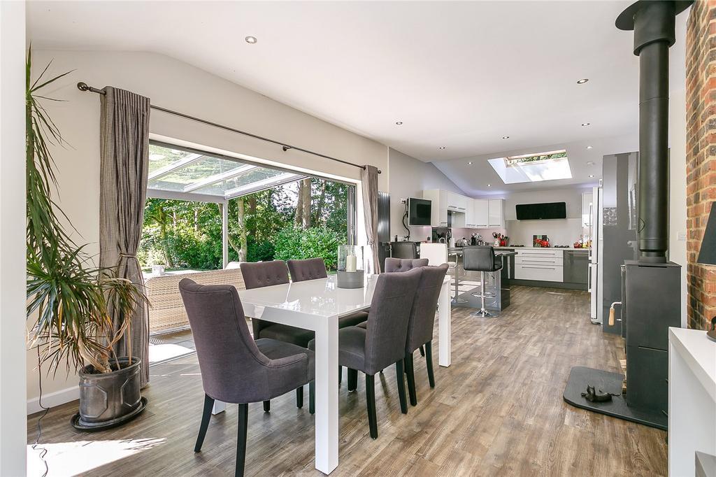 4 Bedrooms Detached Bungalow for sale in Shophouse Lane, Albury, Guildford, Surrey