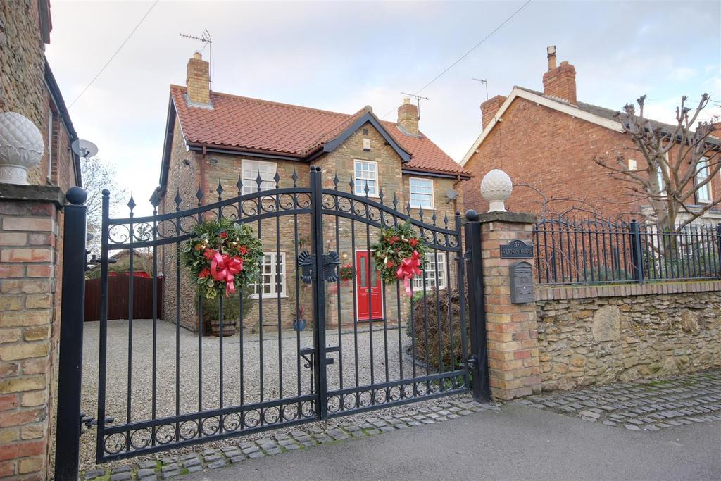 4 Bedrooms Detached House for sale in Westgate, North Cave