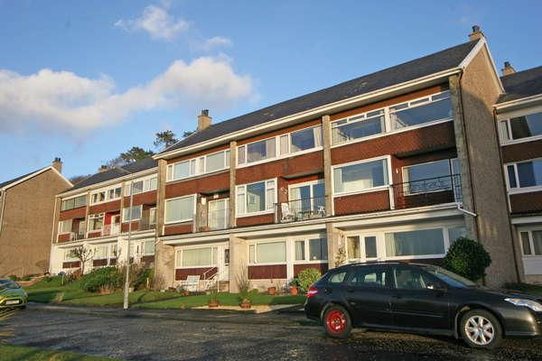 3 Bedrooms Maisonette Flat for sale in 23 Shuma Court, Skelmorlie, PA17 5EJ