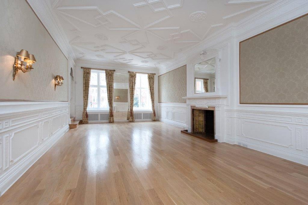 2 Bedrooms Flat for sale in Lennox Gardens, Knightsbridge, London, SW1X