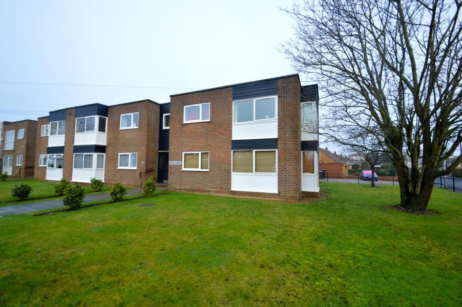 1 Bedroom Apartment Flat for sale in Longmead, Windsor, Berkshire