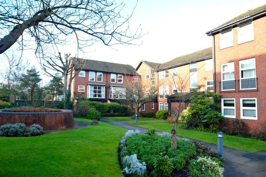 2 Bedrooms Flat for sale in Fountain Gardens, Windsor, Berkshire