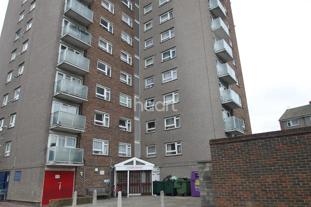 2 Bedrooms Flat for sale in Cedar House