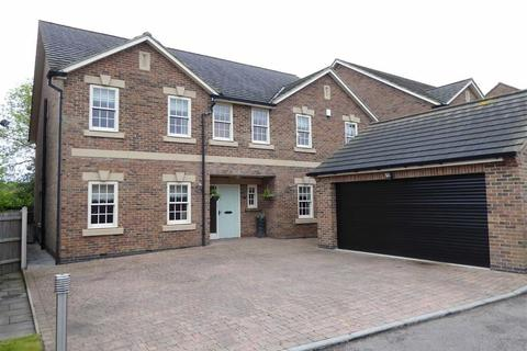 5 bedroom detached house for sale - Choyce Close, Anstey