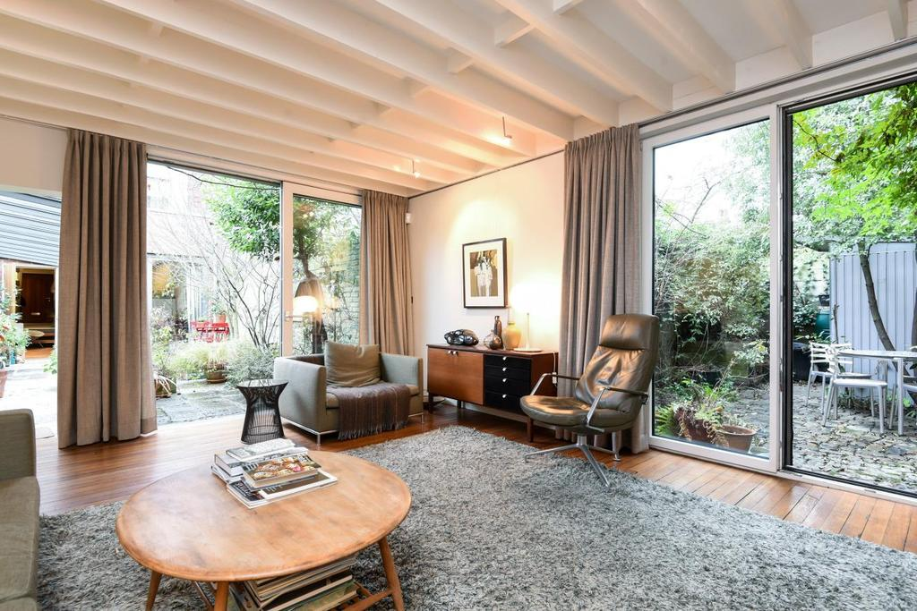 2 Bedrooms Terraced House for sale in Herne Hill Road, Herne Hill, SE24