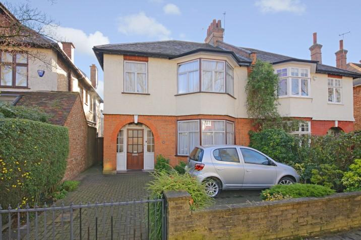 3 Bedrooms Semi Detached House for sale in Swains Lane, N6