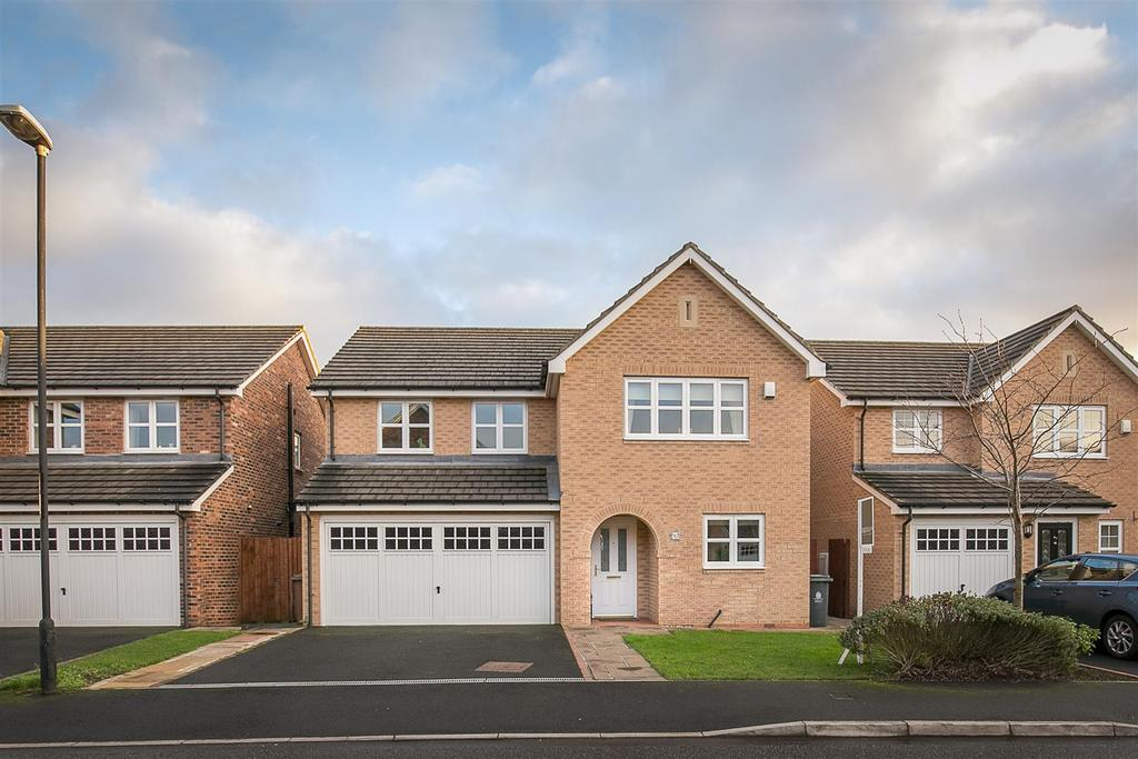 5 Bedrooms Detached House for sale in Briar Vale, Monkseaton, Tyne Wear