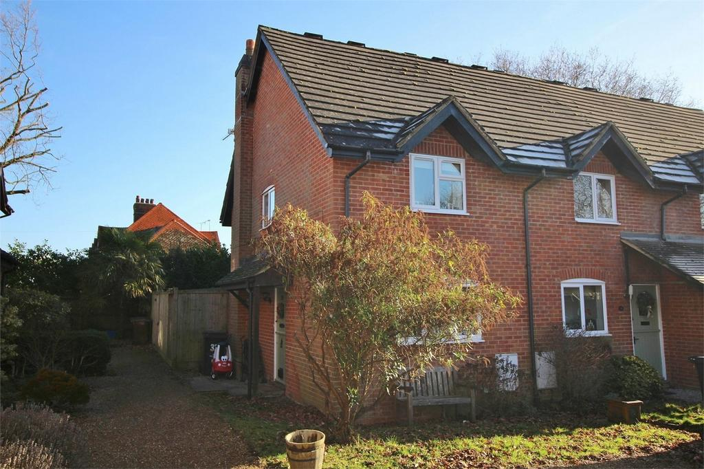 2 Bedrooms End Of Terrace House for sale in Pipers Field, Ridgewood, Uckfield, East Sussex