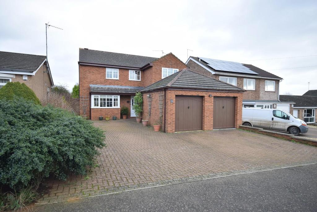 4 Bedrooms Detached House for sale in Leys Avenue, Desborough, Kettering