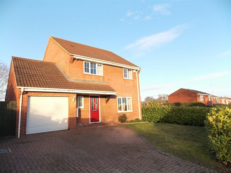 4 Bedrooms Detached House for sale in Goodwin Close, Calcot, Reading