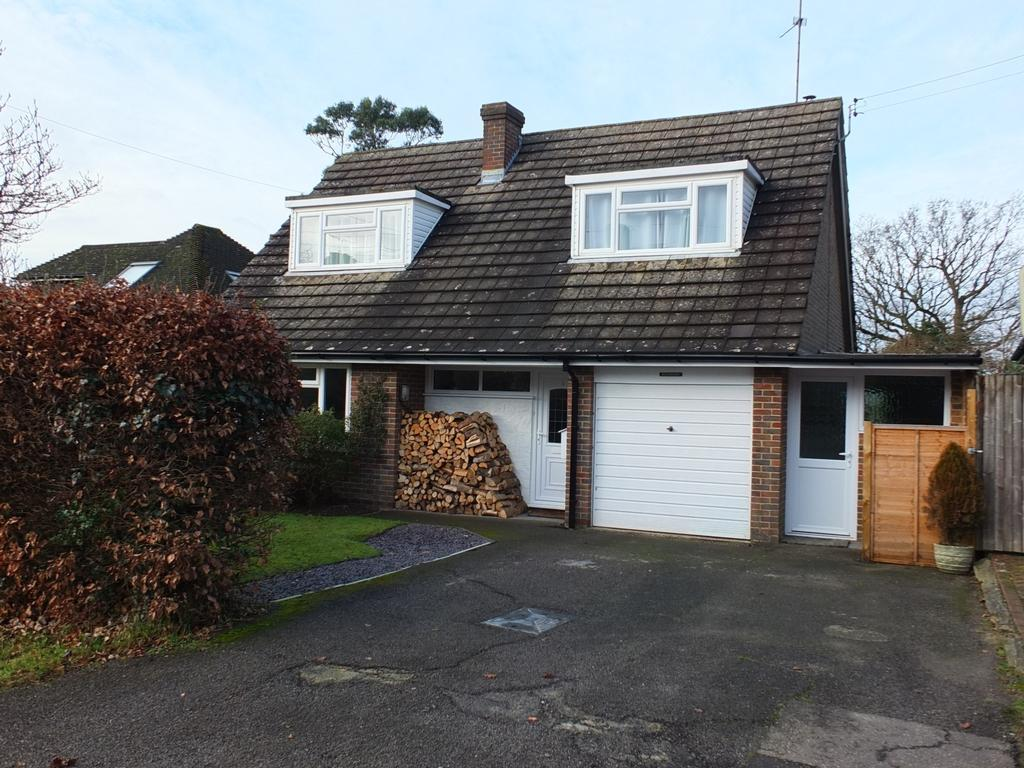 3 Bedrooms House for sale in Lewes Road, Horsted Keynes, RH17