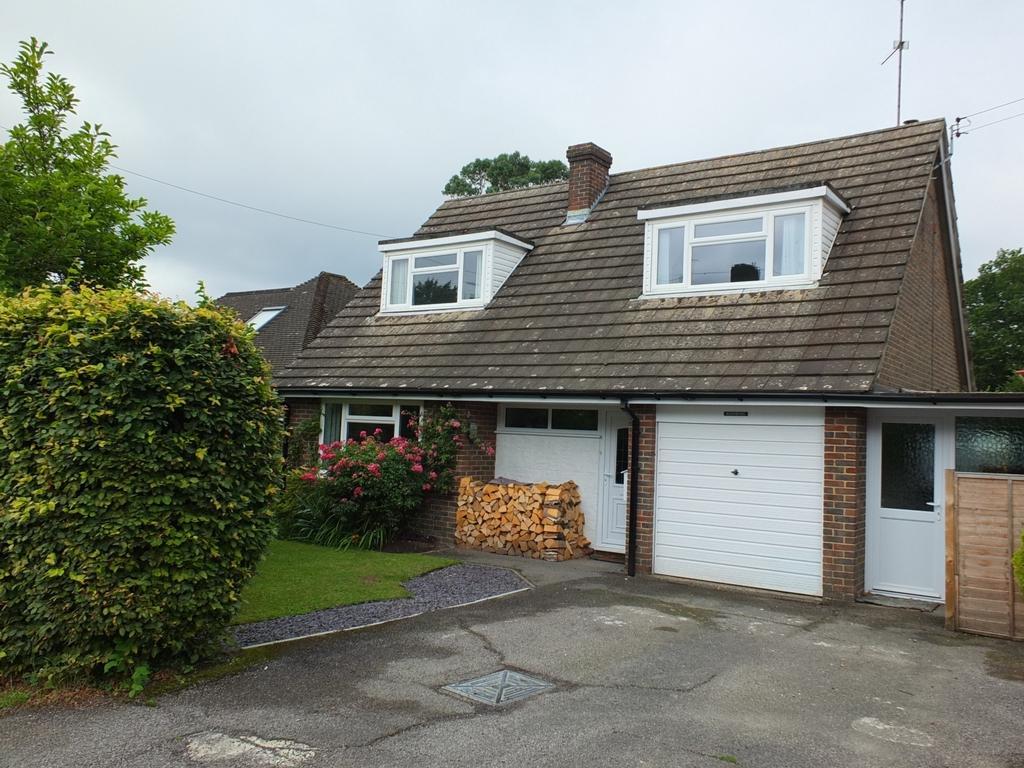 3 Bedrooms House for sale in Lewes Road, Horsted Keynes, RH17