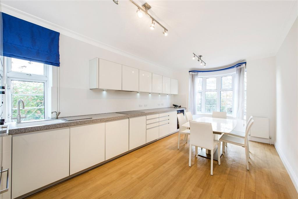 3 Bedrooms Flat for sale in William Court, 6 Hall Road, London