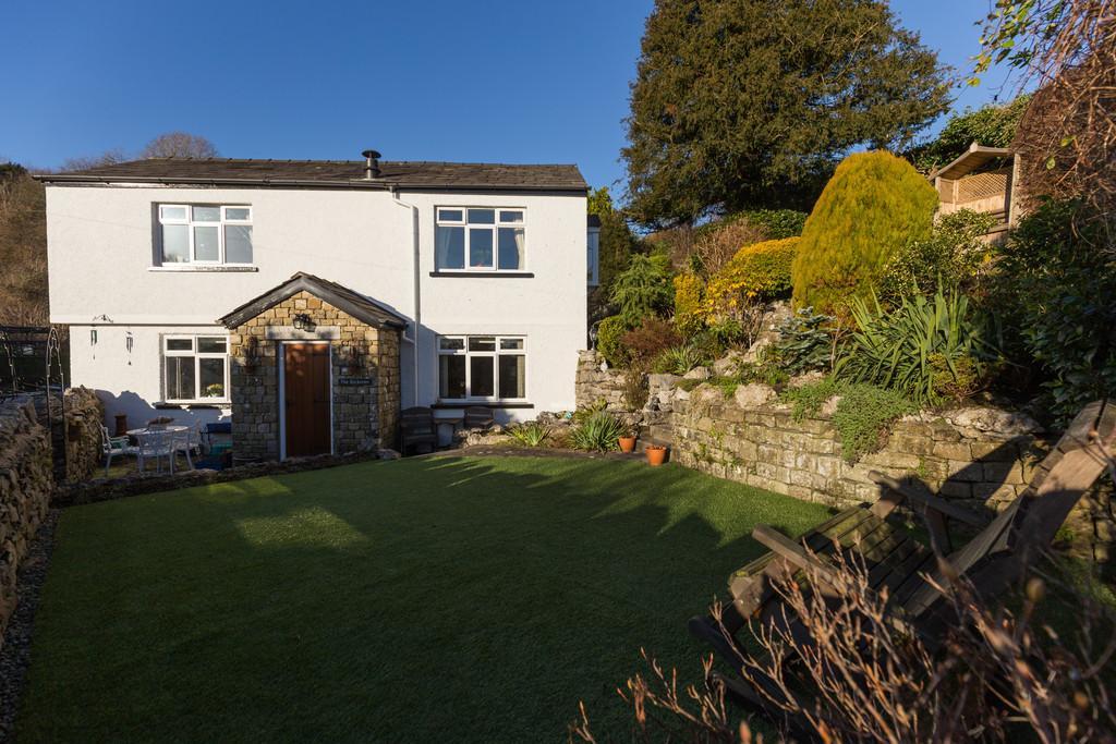 3 Bedrooms Detached House for sale in The Rockeries, Back Road, Lindale, Grange-Over-Sands, Cumbria, LA11 6LQ