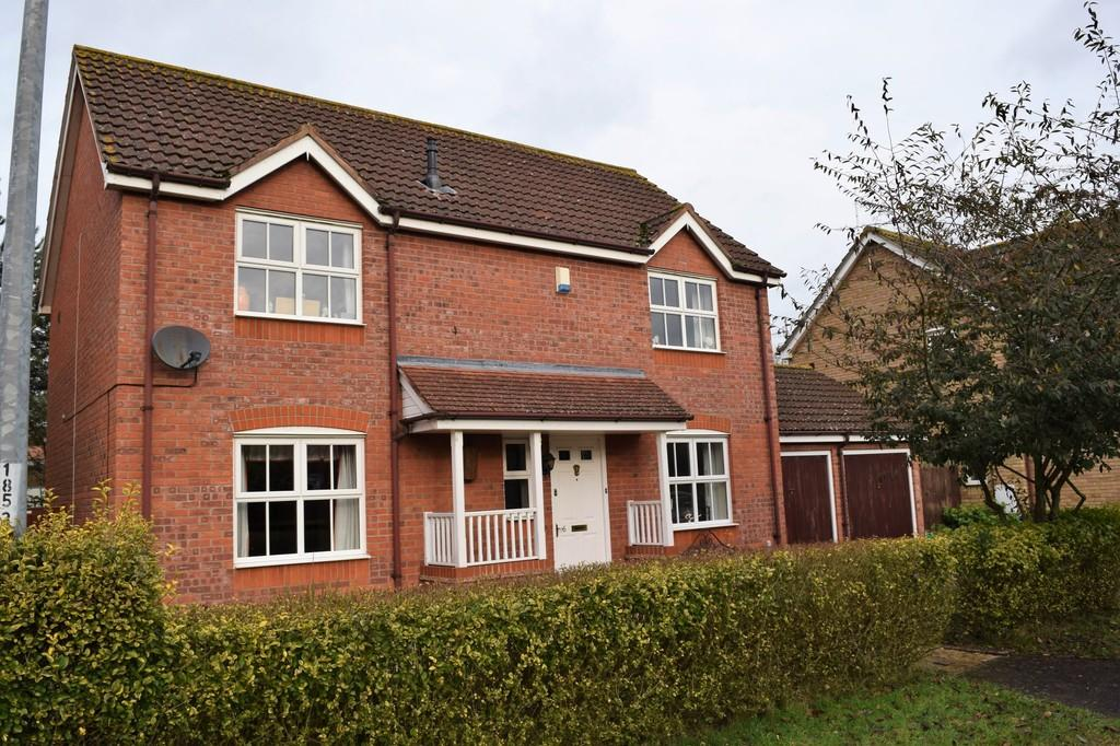 4 Bedrooms Detached House for sale in Bergamot Close, Thetford