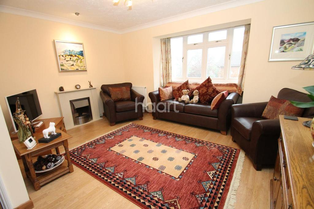 3 Bedrooms Semi Detached House for sale in Steeple Heights Drive, Biggin Hill